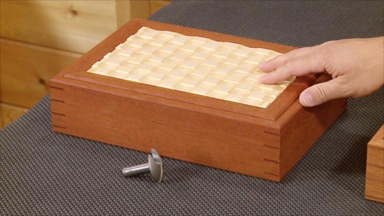 Scalloped-Lid Box