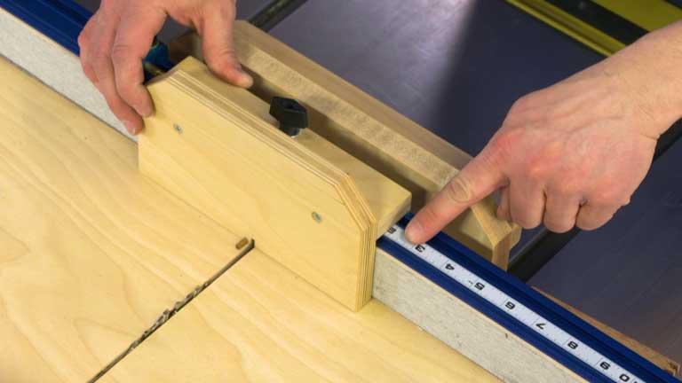 Crosscut Sled Finger Joint Jig